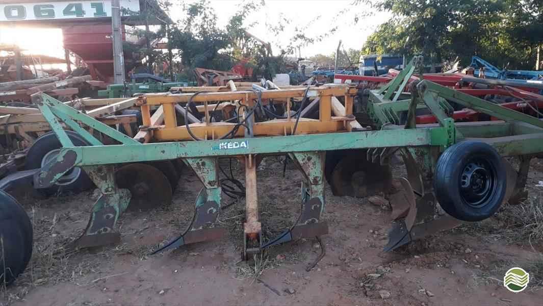 ARADO DE DISCO ARADO DE AIVECA  2013 Tratorama Máquinas e Implementos